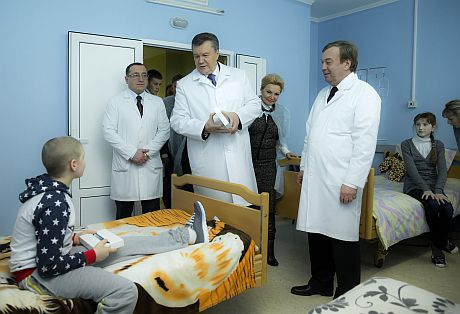 Посещение Януковичем Факультета рака спровоцировало дебош