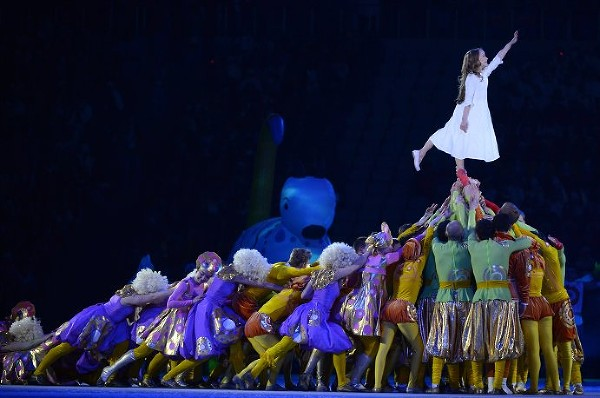 Олимпиаду в Сочи открыла девочка Люба (ФОТО)