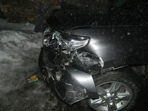 В Киеве работник автомойки разбил чужую машину (ФОТО)