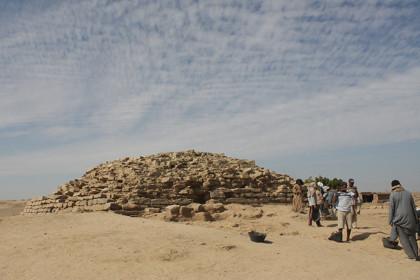 В Египте археологи нашли древнейшую пирамиду