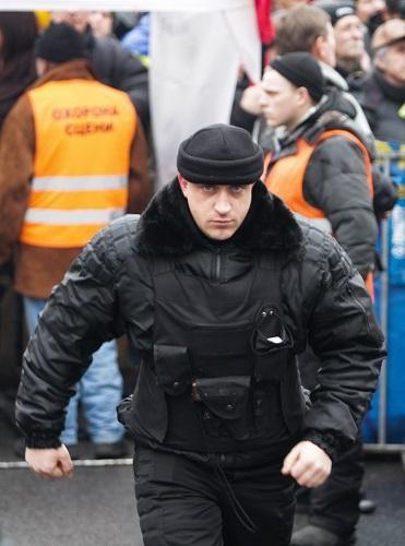 У Майдана появился вооруженный спецназ (ФОТО)