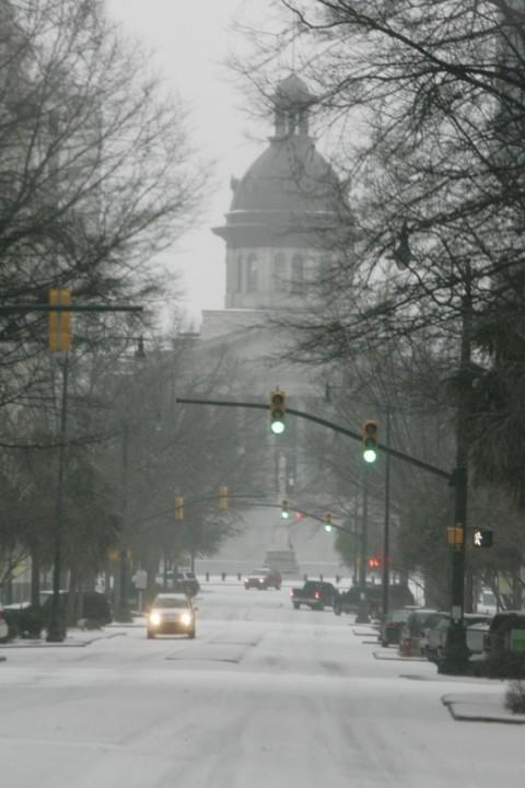 Невиданные снегопады обрушились на США