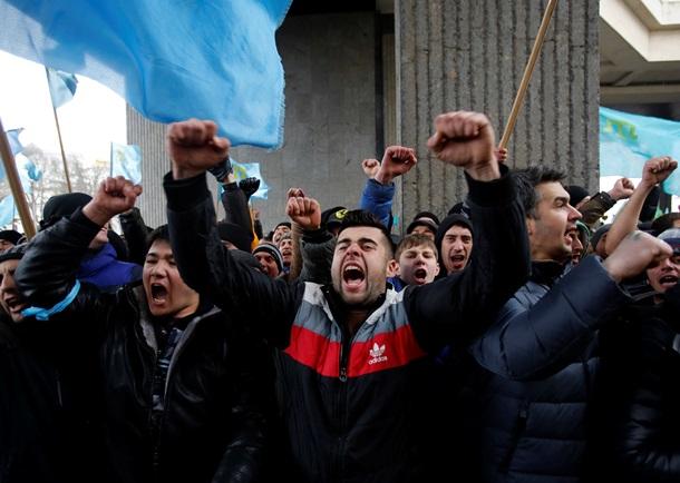 Верховная Рада и Совет министров Крыма захвачены (ВИДЕО)