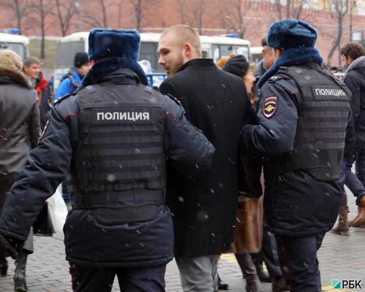 В Москве задержали около 300 человек за поддержку Украины