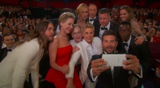 Удачный снимок на церемонии Оскар сделан на мобильник (ФОТО)