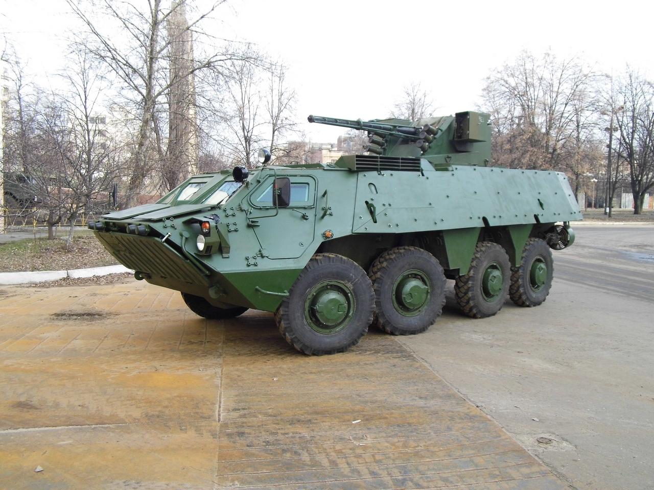 В Украине изготовили новый БТР-4 с дополнительной защитой