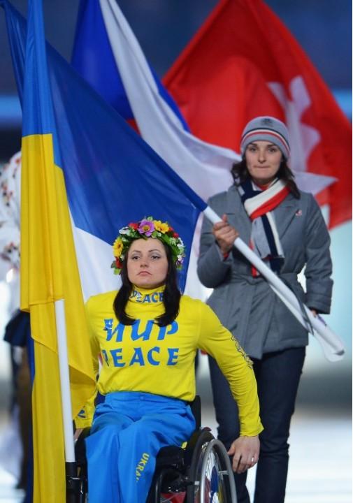 Скандал на закрытии Паралимпиады из-за знаменосца Украины