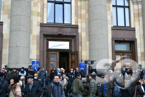 В Харькове начался митинг против сепаратизма