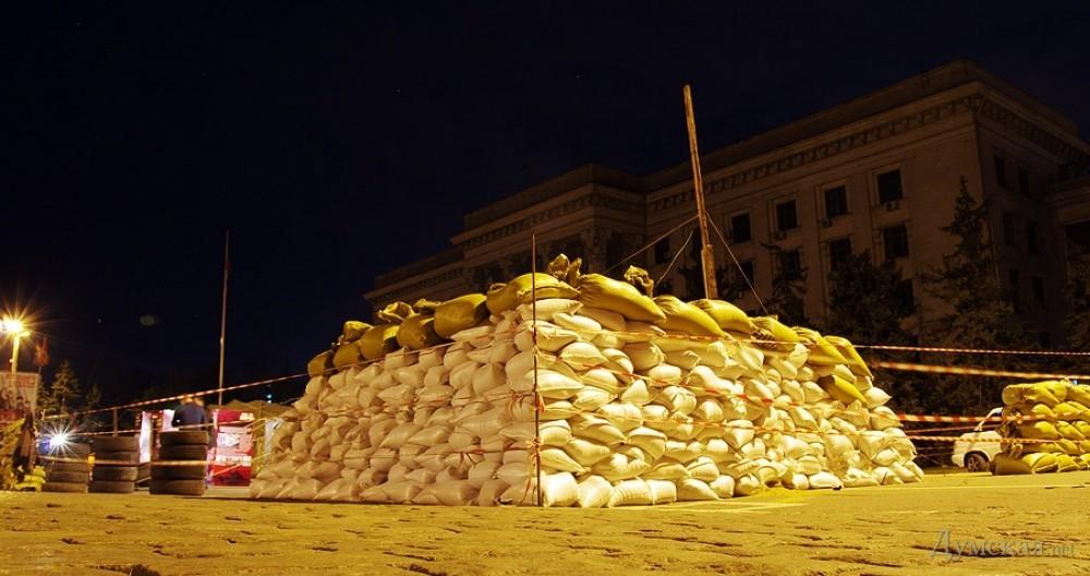 В Одессе построили декоративные баррикады