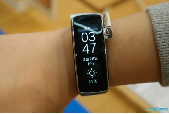 Фитнес-браслет Samsung Gear Fit