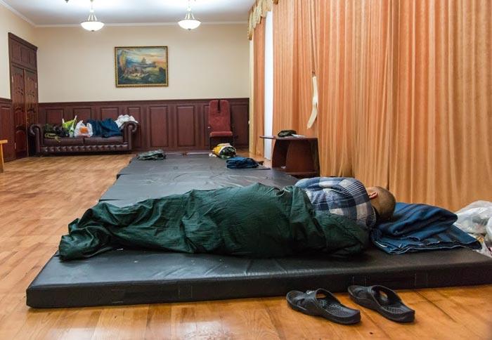 Луганск: протест с божьей помощью и гранатометами (ФОТО)