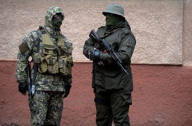"""СМИ: Киев предъявил фото """"зеленых человечков"""""""
