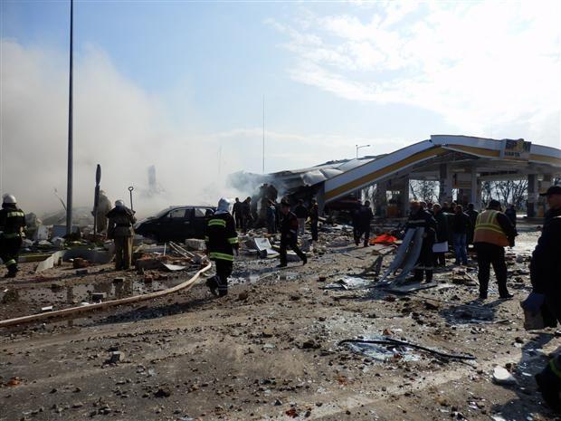 Взрыв разнес АЗС в Переяславе-Хмельницком (ФОТО. ВИДЕО)