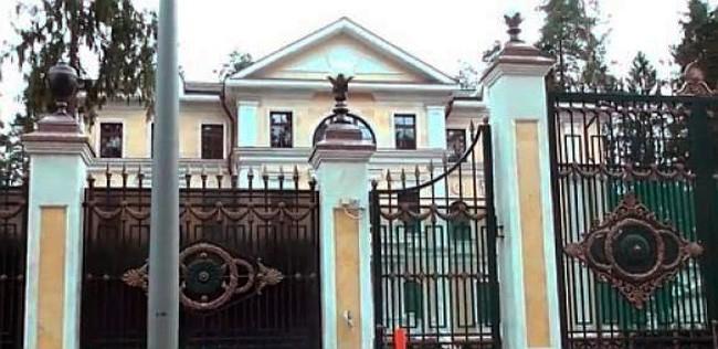 Как живется Януковичу на Рублевке?