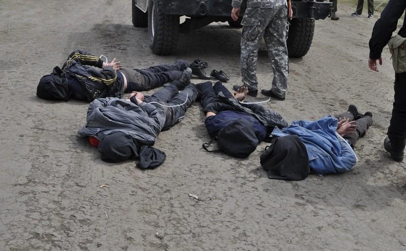 Подозреваемых в уничтожении вертолетов удалось поймать. Фото