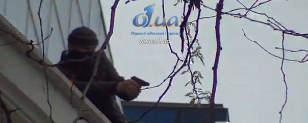 По людям стреляли с крыши одесского торгового центра (ФОТО)