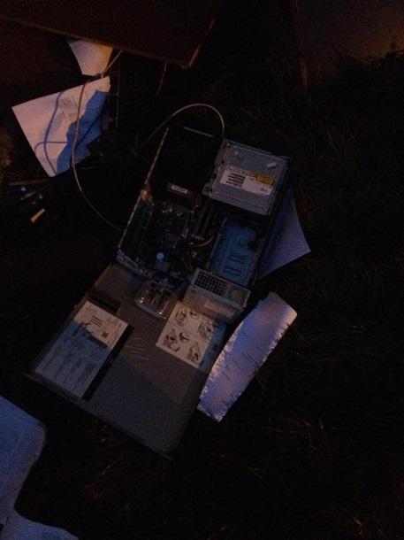 В Донецке активисты разгромили офис Таруты (ВИДЕО)
