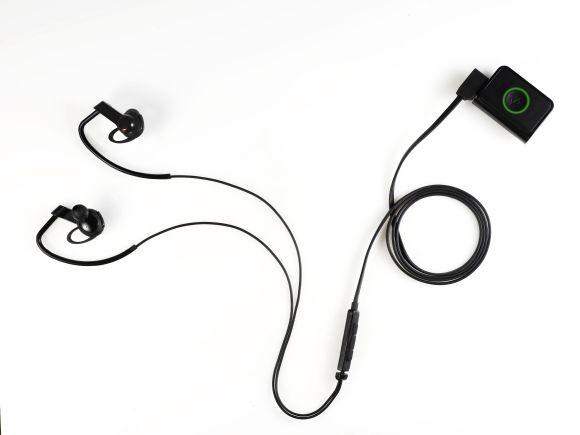 LG представила фитнес-браслет Lifeband Touch (ФОТО)