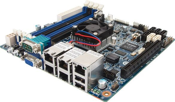 Плата со встроенным CPU для микросерверов