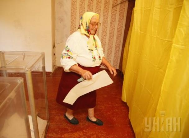 Как Украина выбирала президента: самые колоритные фото