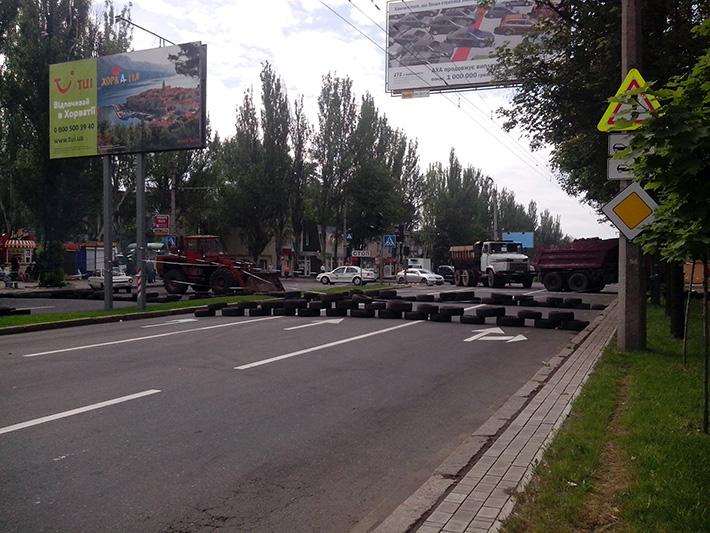 В Сети нашлись фото сгоревших КамАЗов, перевозивших боевиков