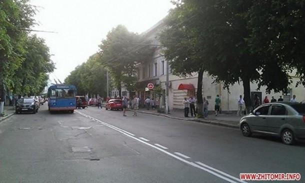 В Житомире неизвестные захватили представителей ПС (ФОТО)