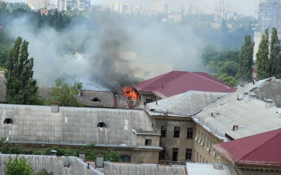 Одесса: горит суд, работающий с исками по выборам (ФОТО)