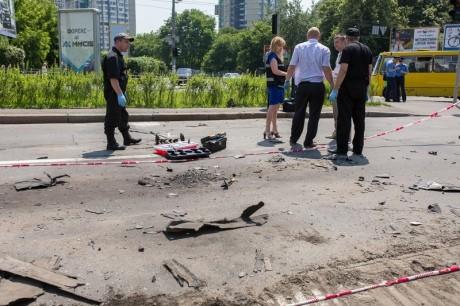 В центре Киева подорвался авто (ФОТО)