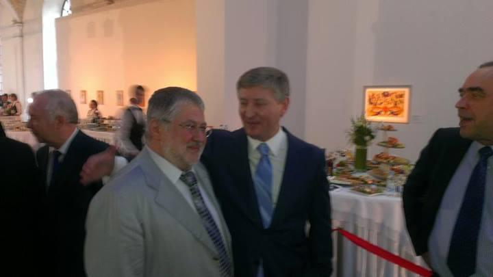 Ахметов и Коломойский разговаривали на инаугурации Порошенко