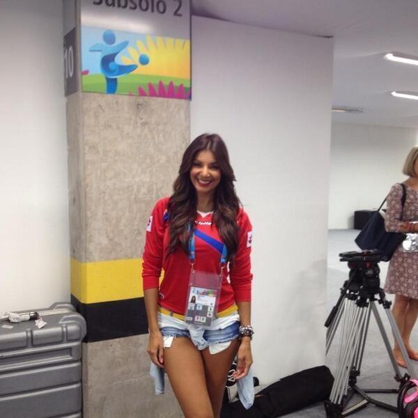 Коста-риканская журналистка стала амулетом сборной (ФОТО)