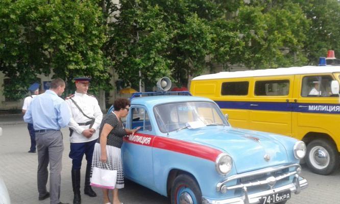 Крымские сотрудники ДПС продемонстрировали собственные диковинные машины (ФОТО)