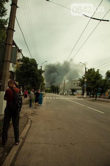 ВИДЕО: Ворошиловград облаплен пожарами и обстрелами,исчезают люди