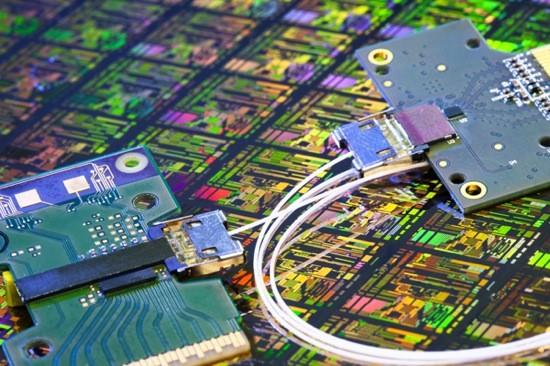 Установлен свежий рекорд скорости передачи данных - 10 Гбит/с