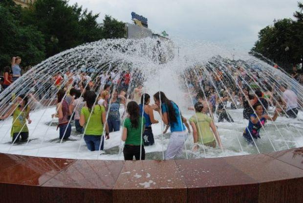Неделя для украинцев стартует с жары. Как вынести все тяготы при +40
