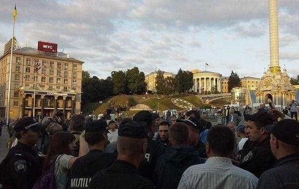 В Киеве форсировали выступивших против военнослужащего парада