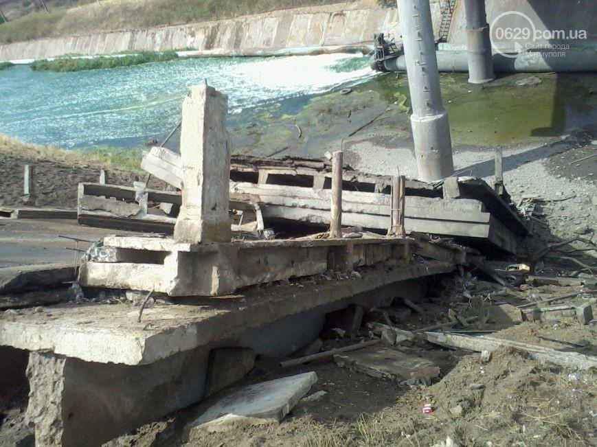 В 30-ти километрах от Мариуполя взорвали мост (ФОТО)