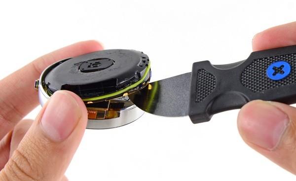 Смарт-часы Motorola Moto 360: Что внутри?