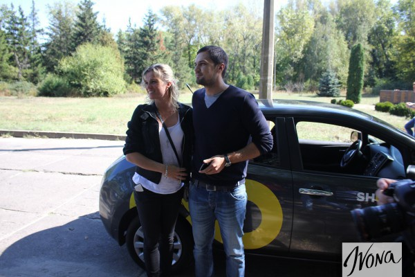 Экс-Холостяк Евтушенко вышел в свет с беременной женой. ФОТО