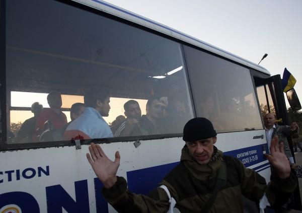 Известны фамилии 35 военных, освобожденных под Ясинуватой