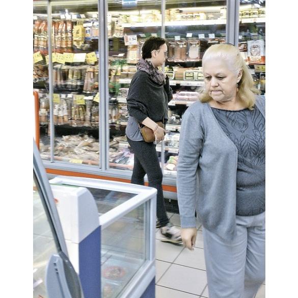 Жанна Фриске уже сама делает покупки (ФОТО)