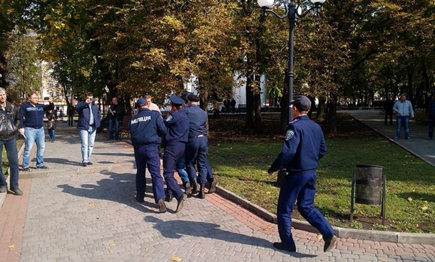 В Харькове милиция разогнала антиукраинский митинг