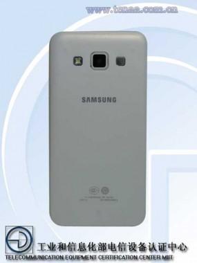 ФОТО: Первые снимки Samsung Galaxy A3