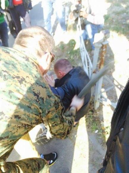 Активисты подрались с милицией из-за беркутовца Садовника
