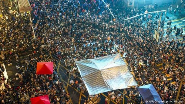 Главные площади революций: От Гонконга до Майдана (ФОТО)