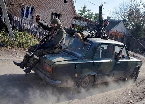 ФОТО дня: Бойня под Радой и штурм аэропорта Донецка (ФОТО)