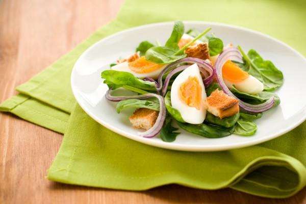 ТОП-5 рецептов салата с сухариками: