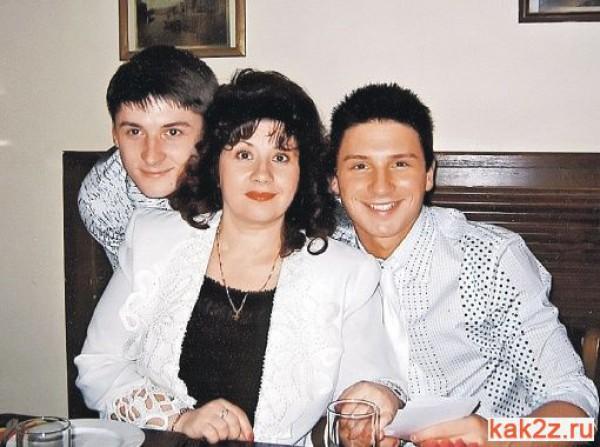 Лазарев сообщил, за что его брат находился в тюрьме (ФОТО)