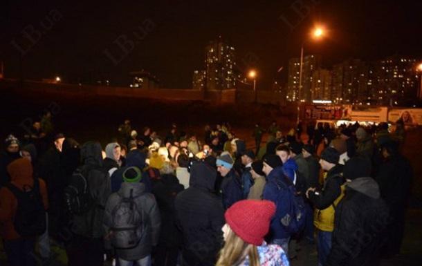ФОТО: В Киеве произошла драка противников стройки с милицией