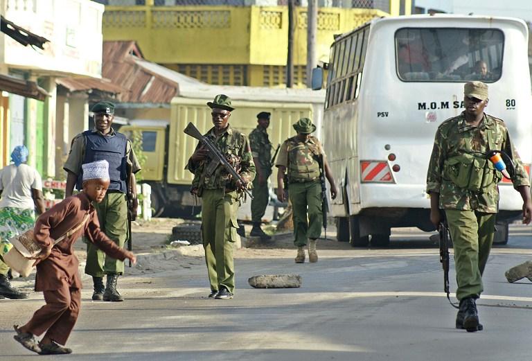 В автобусе в Кении расстреляли 28 человек