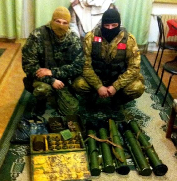 Спецоперация: Милиция вывезла арсенал оружия ДНР из Никишино